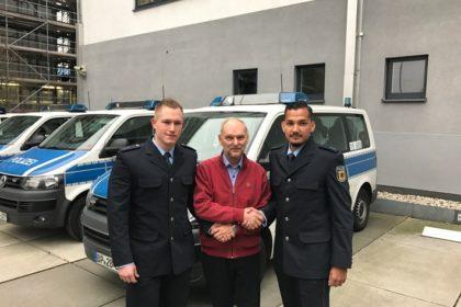 bpold-fra-herzpatient-dankt-seinen-lebensrettern-der-bundespolizei